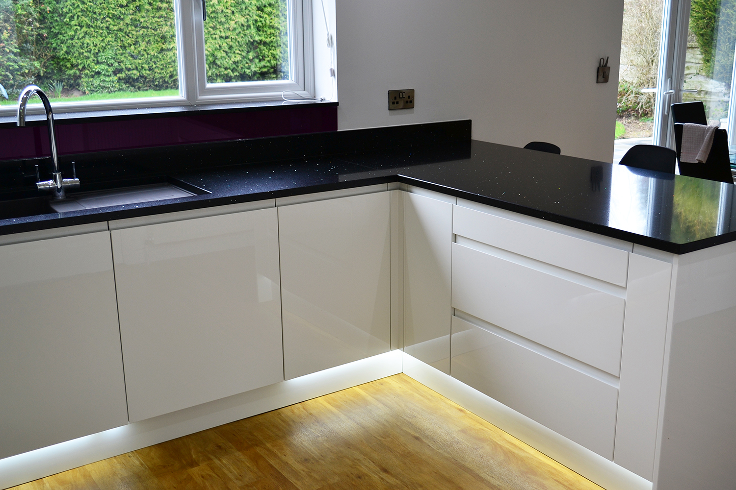 KAS White Gloss Kitchen With Black Worktops on black with white kitchen floor, black with white doors, black with white drawers,