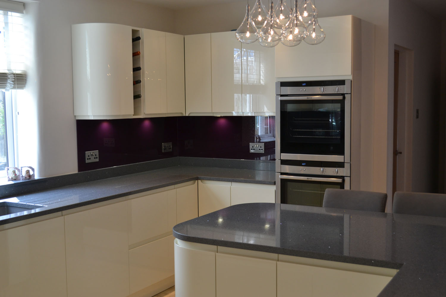 Ivory Kitchens With Black Worktops